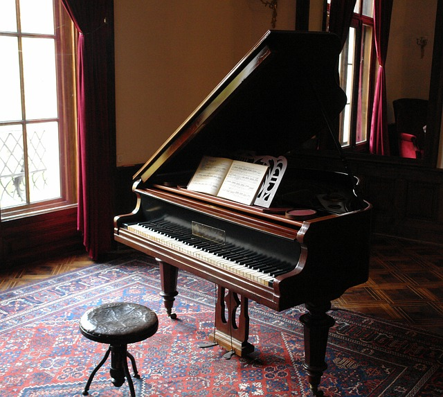 Hassle-Free Furniture and Piano Moving